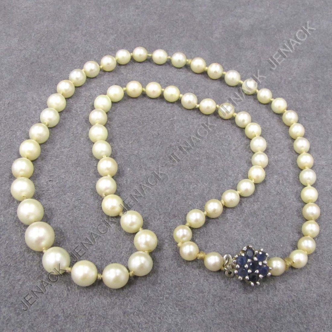 21: STRAND 5.4-8.39MM GRADUATED CULTURE PEARL NECKLACE