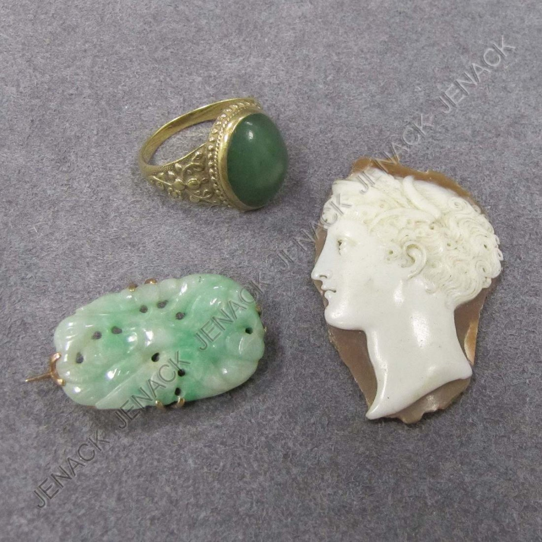 20: LOT (3) VINTAGE YELLOW GOLD (TESTS 14K) JADE PIN