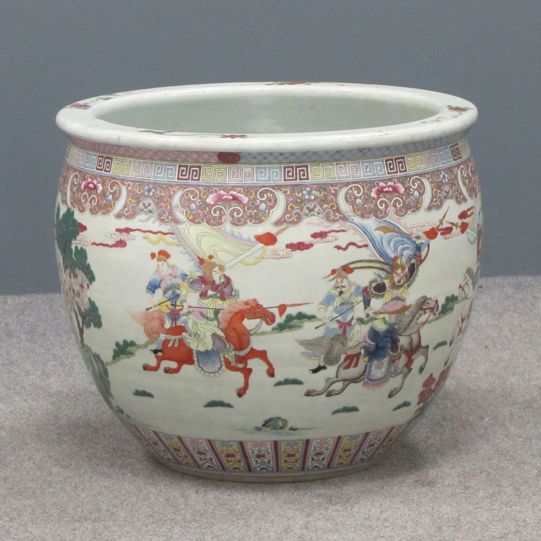 CHINESE FAMILLE ROSE DECORATED PORCELAIN FISH BOWL