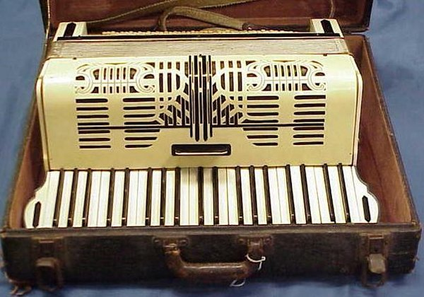 2014: GEIB CELLULOID 41-NOTE ACCORDION