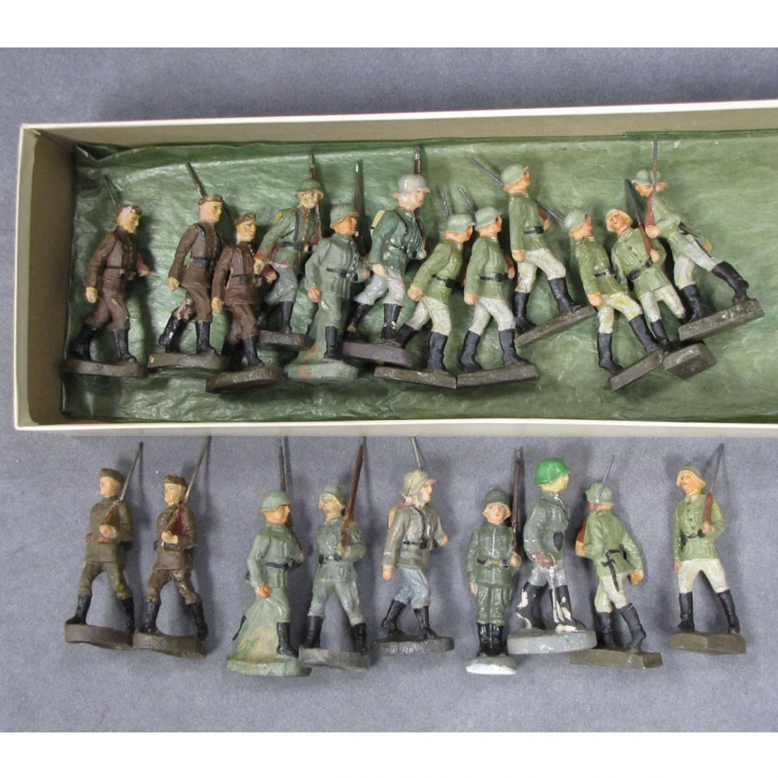 LOT (21) COMPOSITION GERMAN WWII SOLDIERS