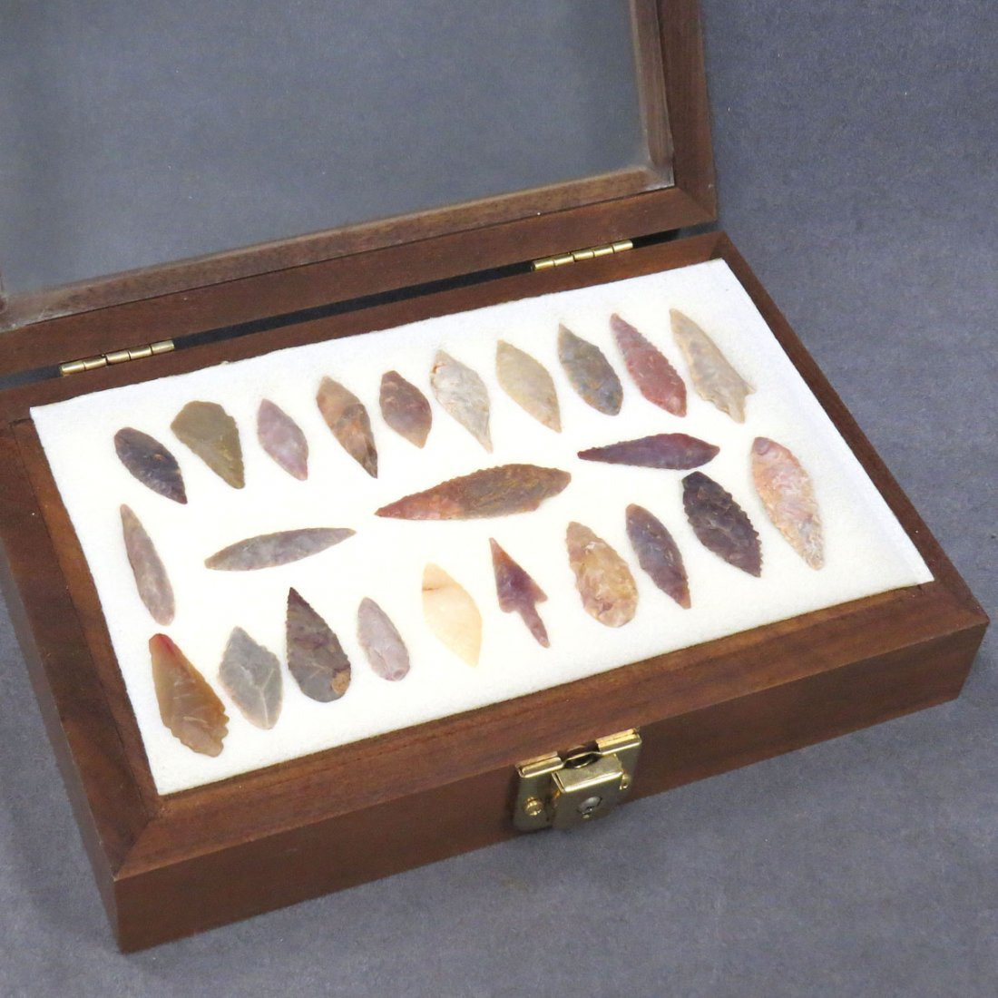 NATIVE AMERICAN COLLECTION (24) STONE BIRD POINTS