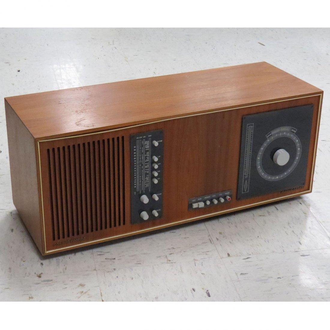 SCHAUB-LORENZ MODEL 5001 MUSIC CENTER AM/FM