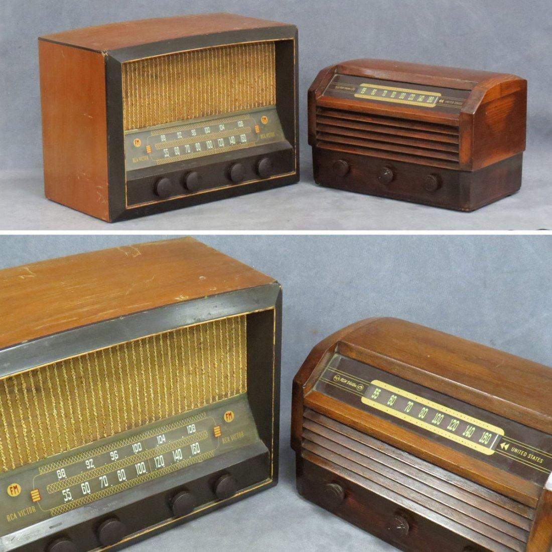 LOT (2) RCA VICTOR AM & AM/FM RADIOS