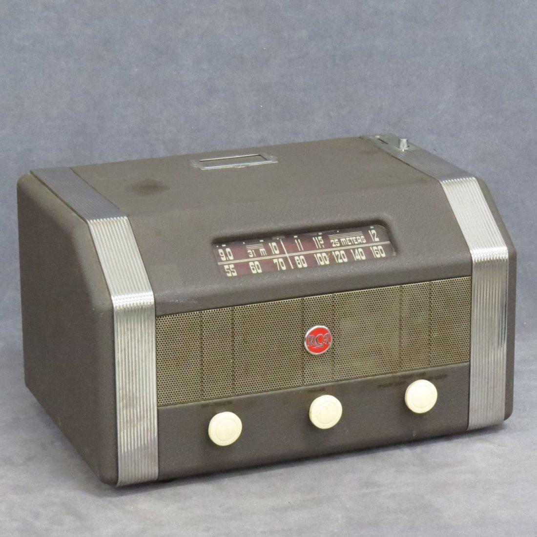 RCA MODEL MI-13174 COIN OPERATED RADIO