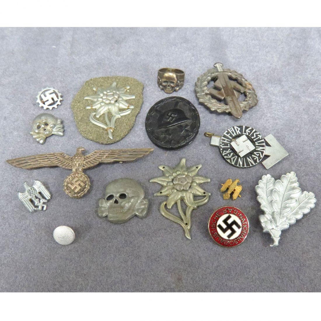 LOT (15) ASSORTED GERMAN WWII PINS/BADGES ETC