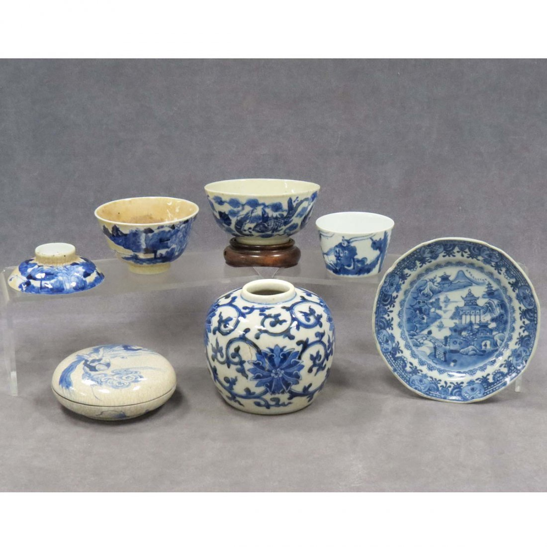 LOT (6) CHINESE DECORATED PORCELAIN