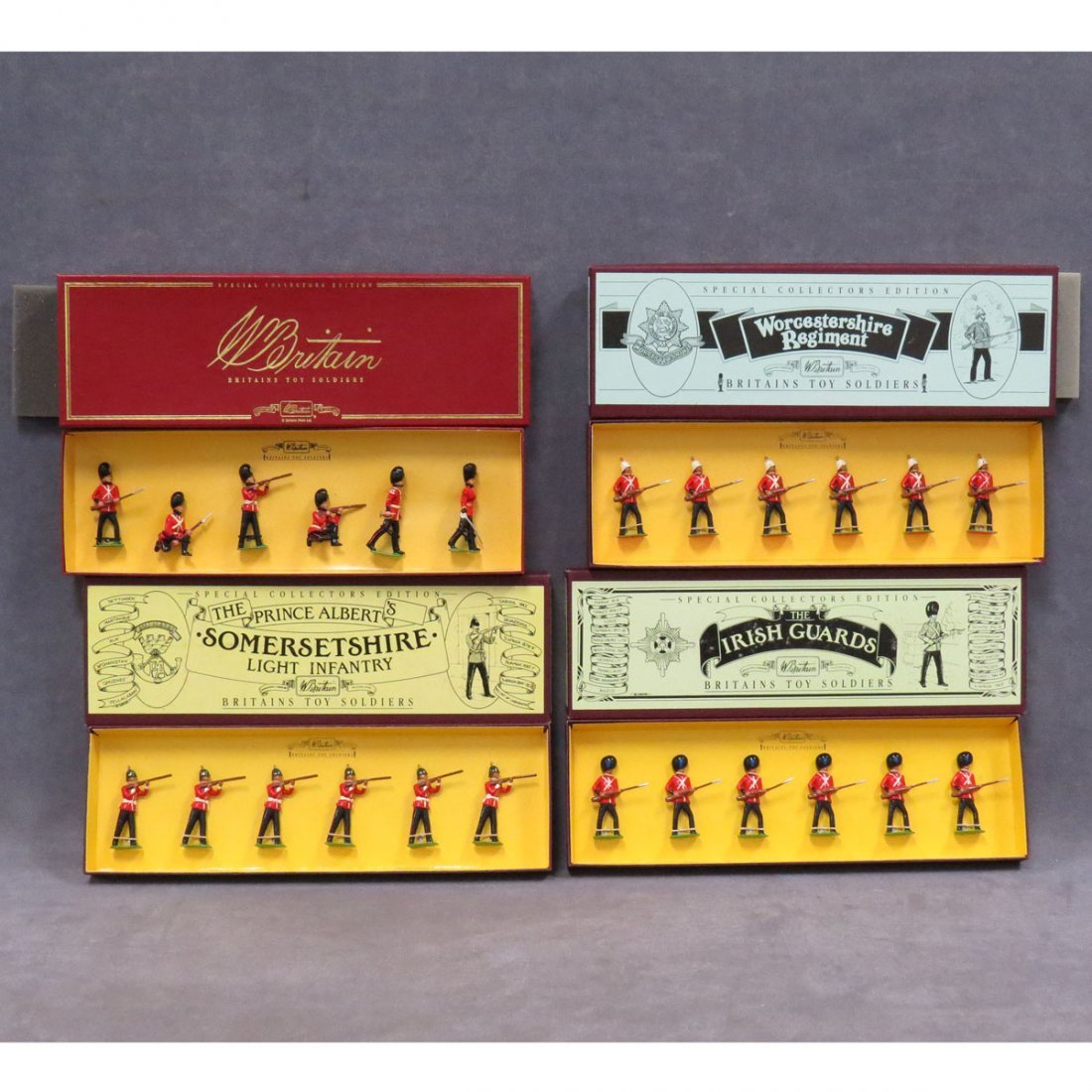 LOT (4) BRITAIN'S TOY SOLDIERS