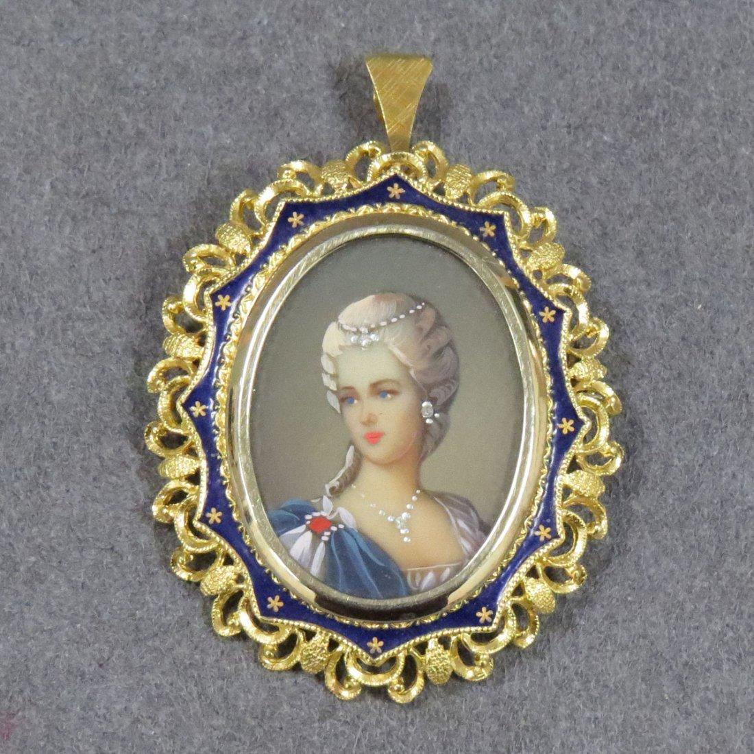 ITALIAN 18K GOLD FRAMED LUCITE PORTRAIT BROOCH