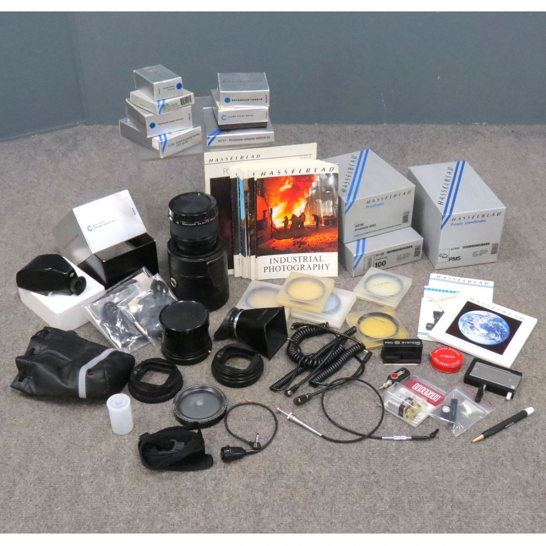 LOT ASSORTED HASSELBLAD ACCESSORIES