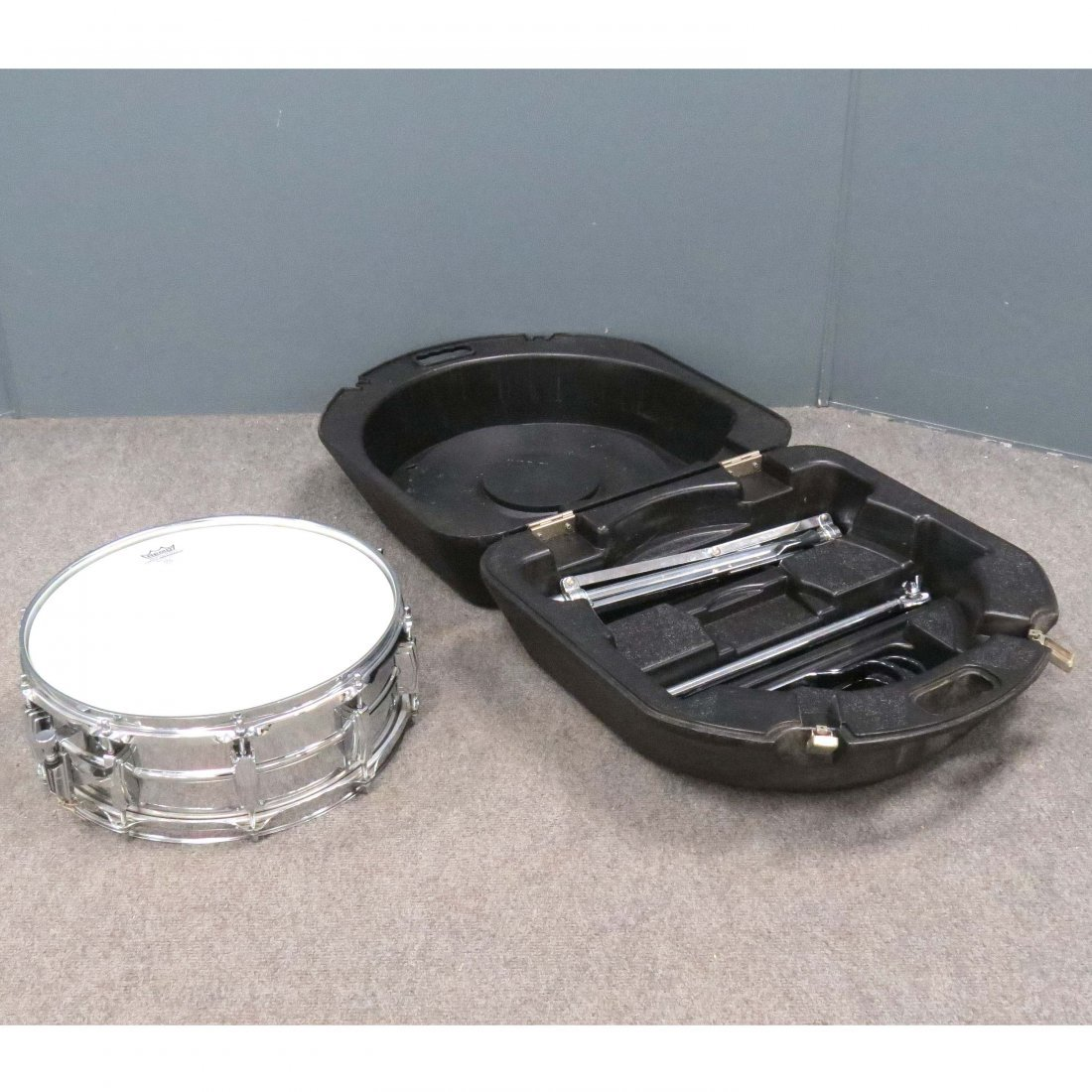 LUDWIG USA CHROME SNARE DRUM WITH STAND, #3035617