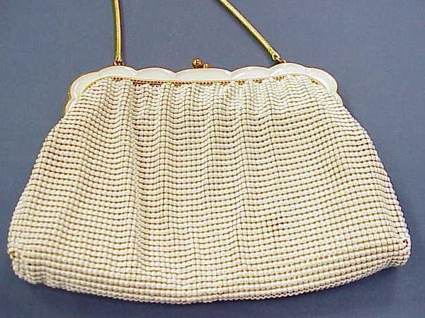 7: WHITING & DAVIS GOLD TONE & ENAMELED MESH HAND BAG