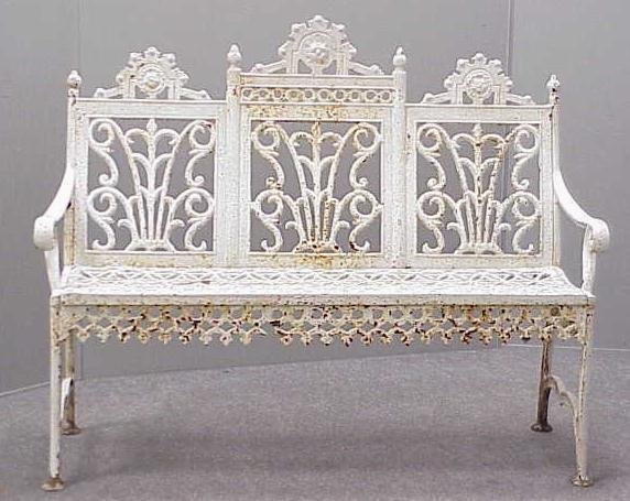19: CAST IRON  PAINTED GARDEN BENCH, 19/20TH CENTURY