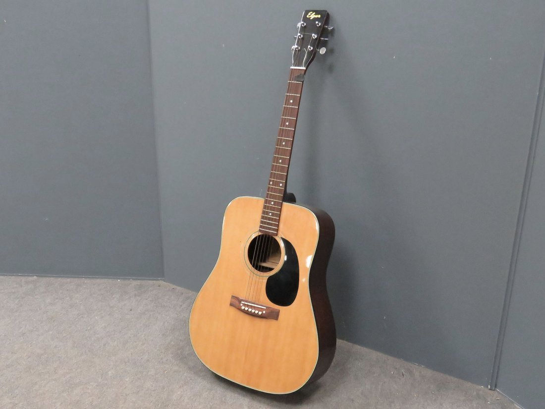 model 627r acoustic guitar with case