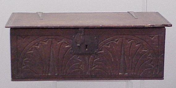 1007: CARVED OAK BIBLE BOX, 17/18TH CENTURY