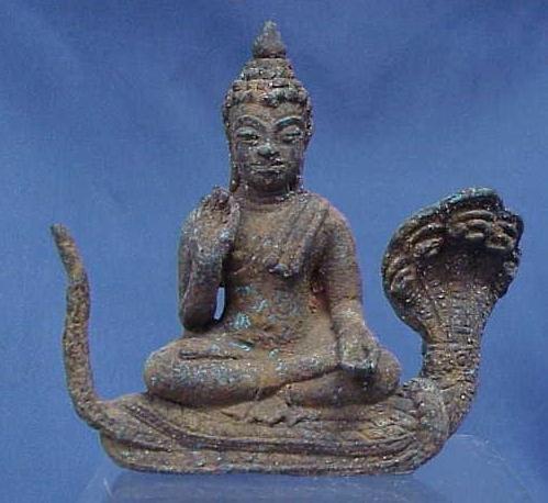 1017: THAI BRONZE FIGURE SEATED BUDDHA