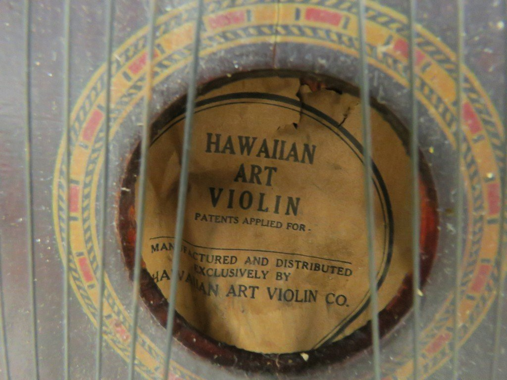 VINTAGE HAWAIIAN ART VIOLIN WITH ORIGINAL PAPERS. - 4