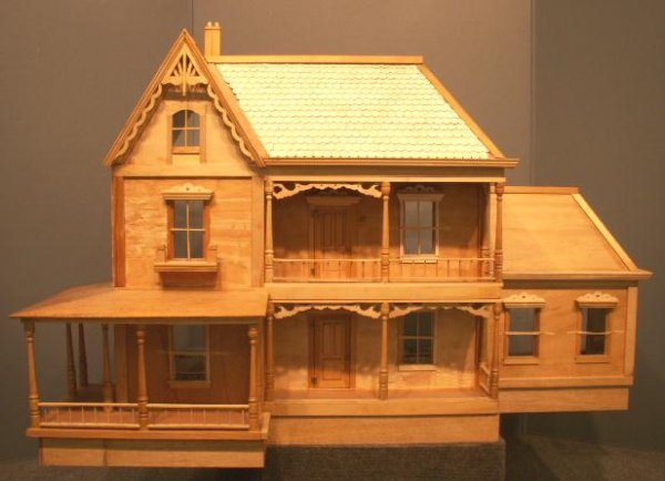 1: VICTORIAN STYLE DOLL HOUSE AND ACCESSORIES