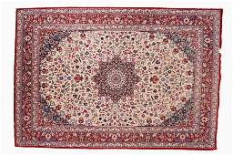 ISFAHAN DESIGN SEMIANTIQUE PERSIAN CARPET WITH SILK