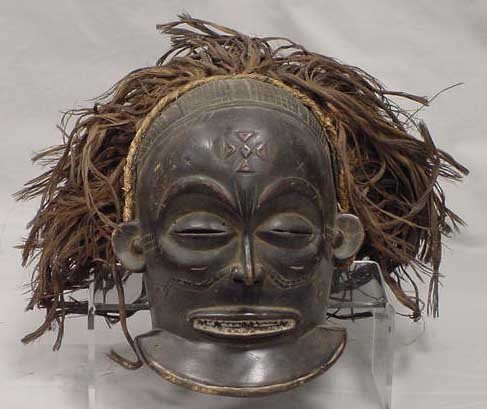 18: CHOWKE CARVED MASK WITH RAFFIA