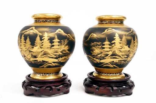 Japanese Peony Kobe Pottery Gilt Decorated Vases With