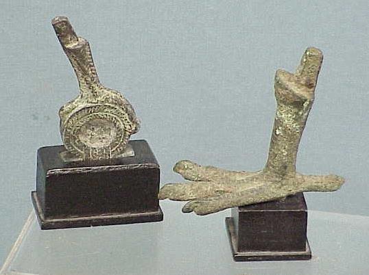 1011: LOT (2) BRONZE BIRD FEET INCLUDING EGYPTIAN/ROMAN