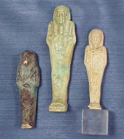 1019: LOT (3) USHABTI INCLUDING FAIENCE, C.1200-715BC.