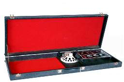 VINTAGE SILVER TONE DANELECTRO GUITAR AMP IN CASE,
