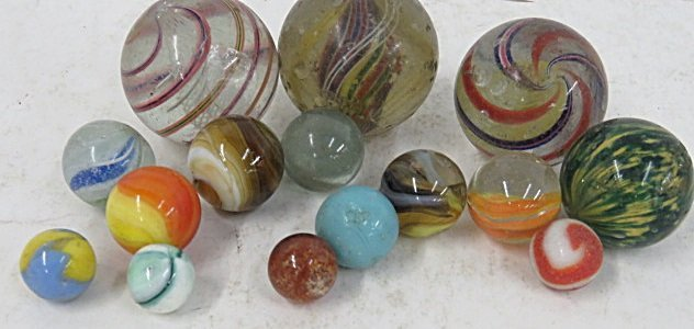 LOT (15) ANTIQUE GLASS MARBLES INCLUDING LARGE SHOOTERS - 2