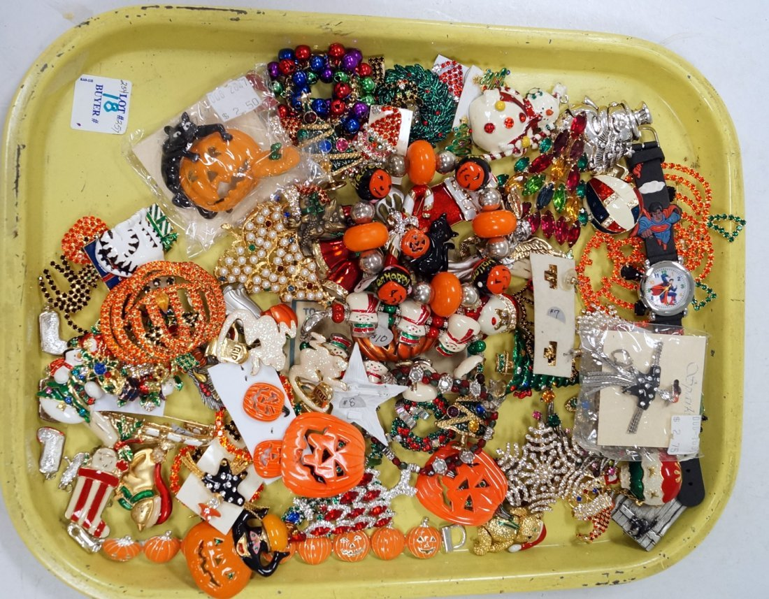 LOT ASSORTED HALLOWEEN AND CHRISTMAS COSTUME JEWELRY