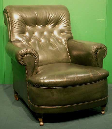 1011: VINTAGE REGENCY STYLE GREEN LEATHER CLUB ARMCHAIR