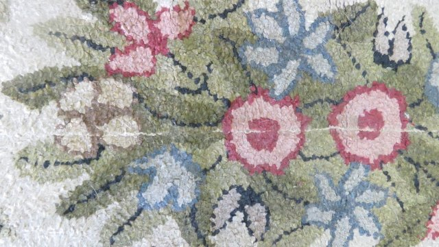 """LOT (3) VINTAGE HOOKED RUGS. LARGEST 3'X 4'11"""" (AS IS) - 3"""