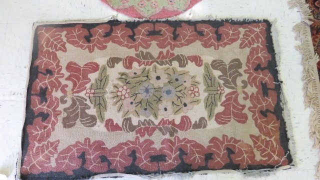 """LOT (3) VINTAGE HOOKED RUGS. LARGEST 3'X 4'11"""" (AS IS) - 5"""