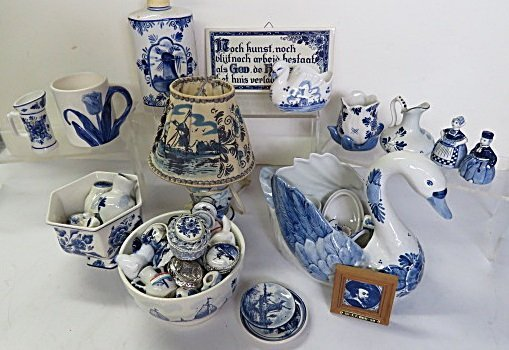 LOT ASSORTED DELFT POTTERY