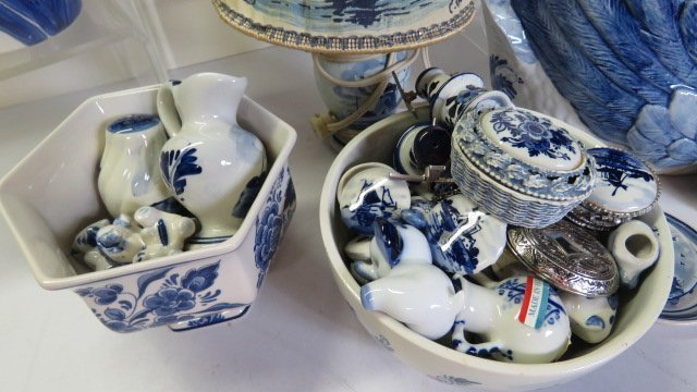 LOT ASSORTED DELFT POTTERY - 3