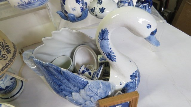 LOT ASSORTED DELFT POTTERY - 4