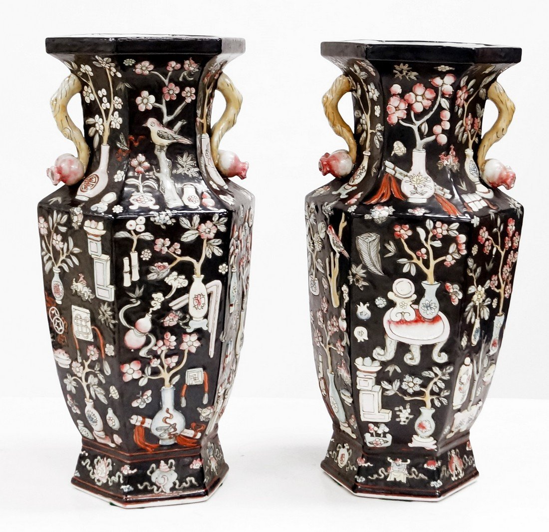 PAIR CHINESE FAMILLE NOIR DECORATED PORCELAIN VASES.