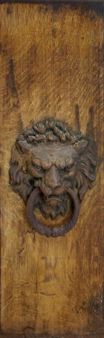 ANTIQUE CARVED OAK PANEL WITH LION HEAD AND WROUGHT