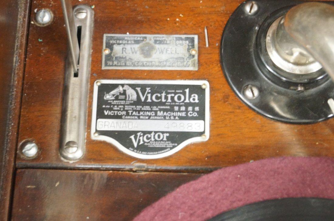 "VICTOR MAHOGANY ""GRANADA"" CONSOLE DISC PHONOGRAPH WITH - 3"