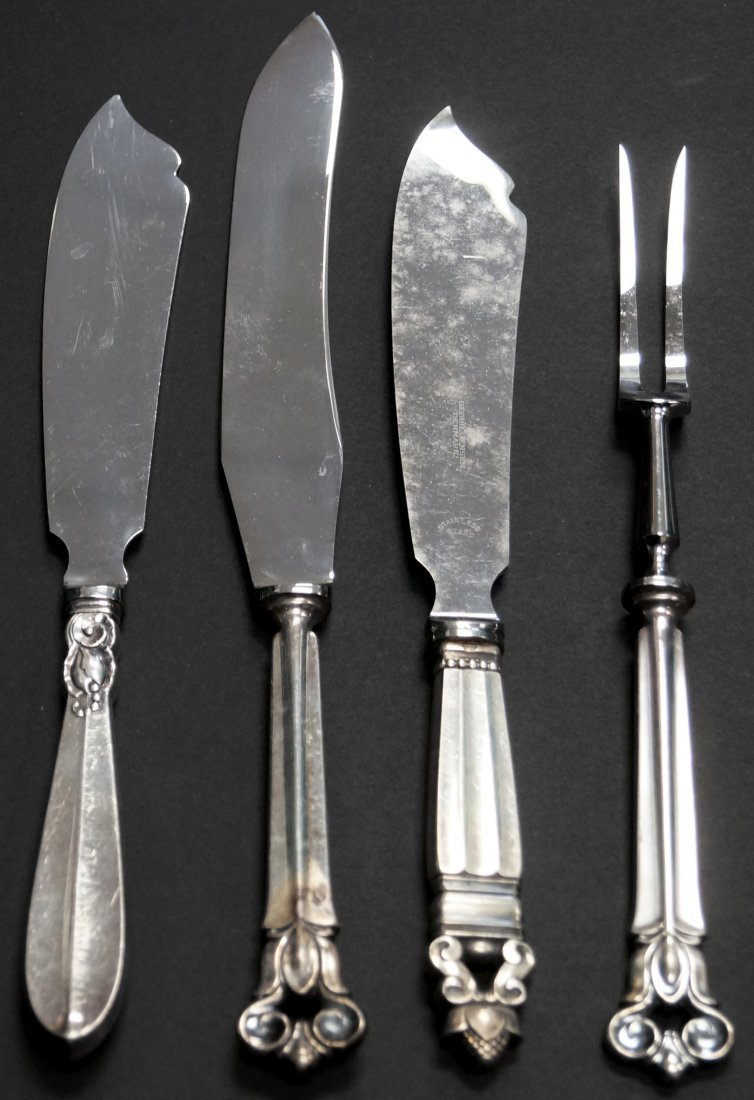LOT (4) STERLING SERVING KNIVES AND FORK INCLUDING (2)