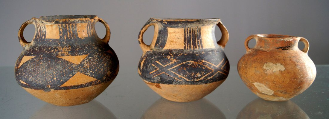 LOT (3) CHINESE NEOLITHIC AND BAN CH'ING DECORATED