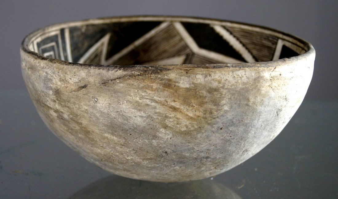ANASAZI BLACK ON WHITE POTTERY BOWL, C.1100-1250AD. - 2