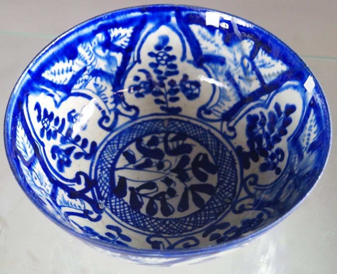 MIDDLE EASTERN FAIENCE DECORATED BOWL, 16/17TH CENTURY. - 2