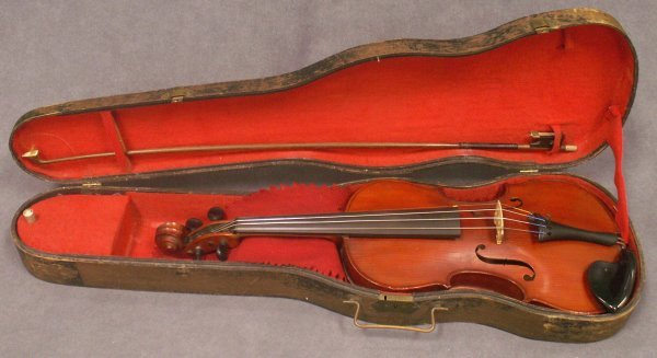 1010: GERMAN VIOLIN/BOW WITH CASE