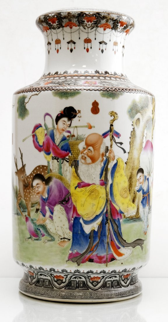 CHINESE FAMILLE ROSE DECORATED PORCELAIN CYLINDER VASE,