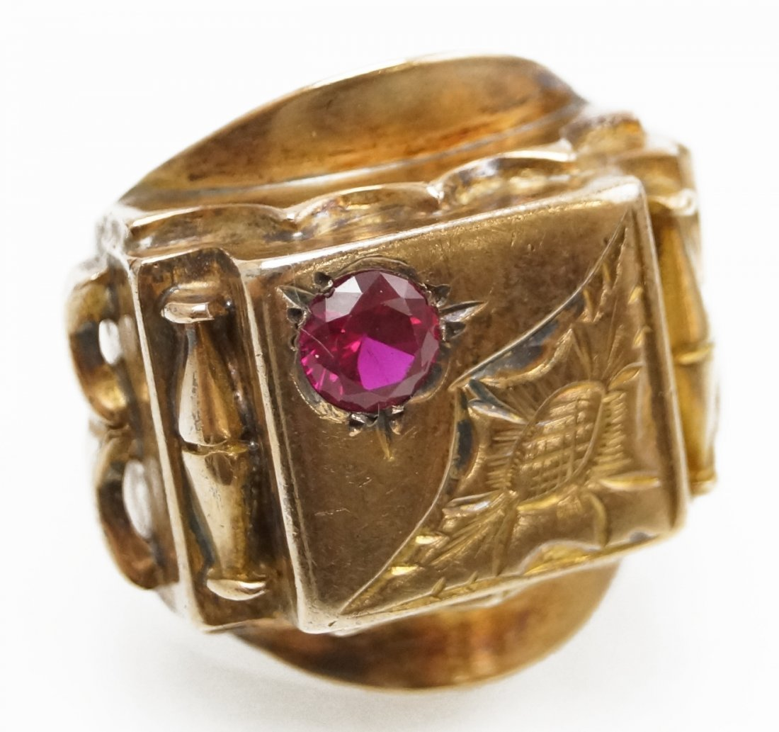 VINTAGE 14K YELLOW GOLD AND SYNTHETIC RUBY RING. RING