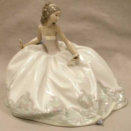 """1014: LLADRO PORCELAIN FIGURE, """"AT THE BALL"""""""
