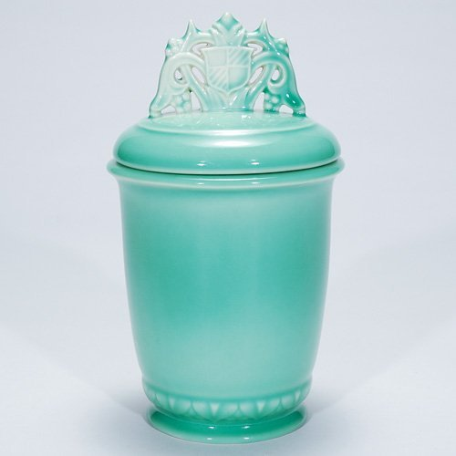 "1022: Rookwood 9"" covered jar, #6477, 1940, green"