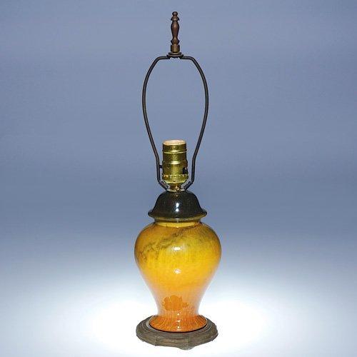 "313: Roseville factory Tuscany lamp, 7 1/2"""