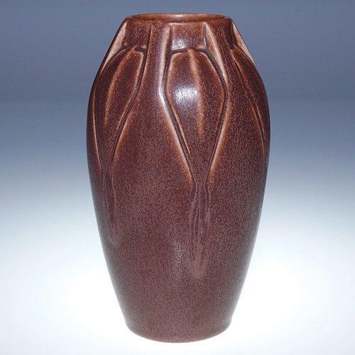 1005: Rookwood chocolate brown vase, 1925, 7